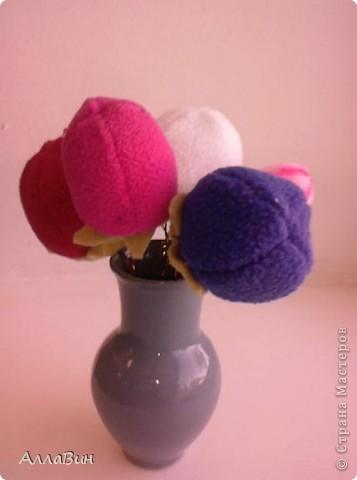 Осуществилась моя давняя мечта по пошиву цветов из ткани. А если конкретней, цветы шили из флиса и вельвета. фото 3
