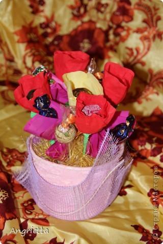 конфетный букетик в подарок фото 2
