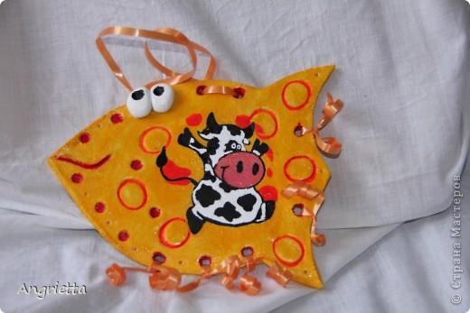 Рыба - это знака зодиака, а корова - год рождения юбилярши. фото 1
