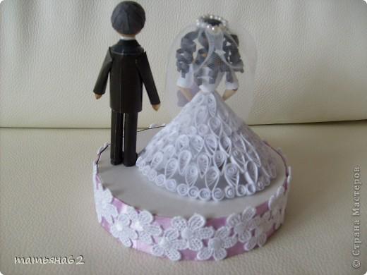 """Жених и невеста (верхний ярус торта из бонбоньерок). Невесту делала под впечатлением работы """"бакиры"""". Спасибо ей огромное, она мне очень помогла советами. фото 2"""