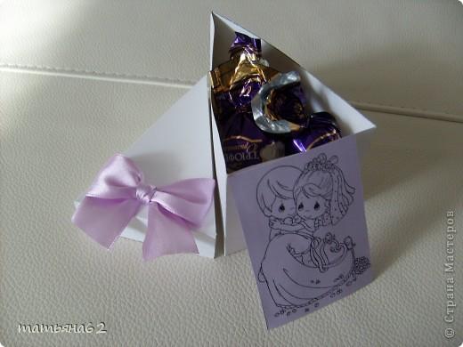 """Жених и невеста (верхний ярус торта из бонбоньерок). Невесту делала под впечатлением работы """"бакиры"""". Спасибо ей огромное, она мне очень помогла советами. фото 5"""