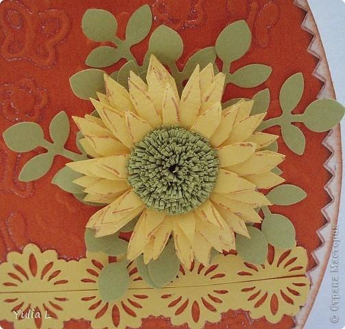 """Основа открыток - бумага для акварели, по краю тонированная штемпельной подушечкой. Верхний слой - тисненная бумага для пастели.  Украшения - """"дырокольные"""" листья, квиллинговые цветы, ажурная полоска.  фото 6"""