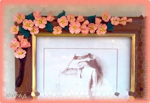 Цветочки из холодного фарфора, веточку оформила витражными контурами в несколько слоёв. фото 2