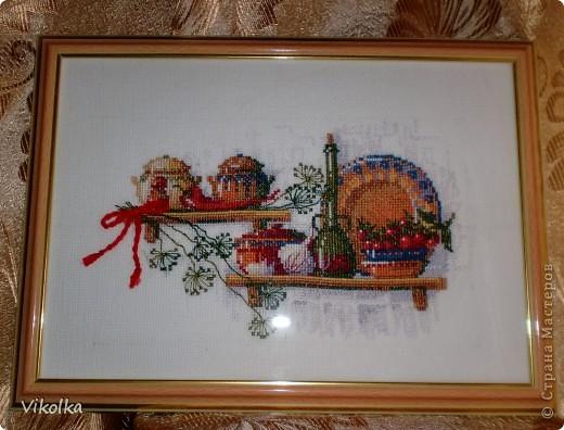 """Представляю вам несколько сюжетов на кухонную тему. «Полочка со специями"""", набор от Риолис  №992, нитки - мулине Anchor,  цветов – 16, размер -  30*21 см, Подарен маме.  фото 1"""