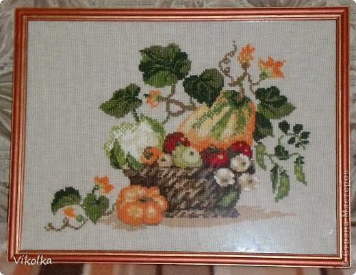 """Представляю вам несколько сюжетов на кухонную тему. «Полочка со специями"""", набор от Риолис  №992, нитки - мулине Anchor,  цветов – 16, размер -  30*21 см, Подарен маме.  фото 4"""