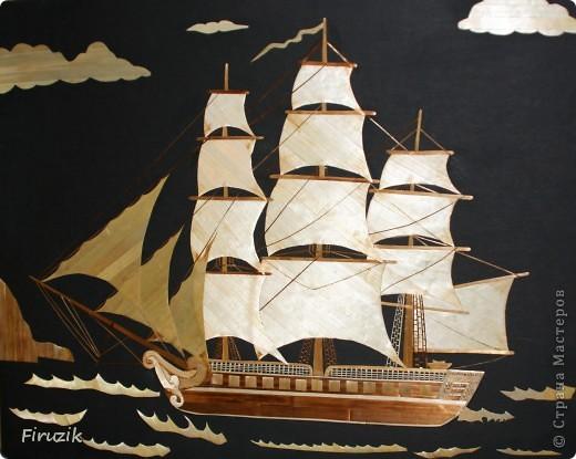 Корабль уже раз был выполнен, но картина получилась пустой. В этой работе, по играла немного с цветами и с направлением  соломенных лент, добавила фона, думаю, получилось неплохо, но судить  ВАМ.  фото 3