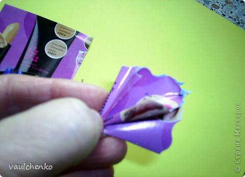 Решила попробовать цветочек оригами (придуманный Людой Likmiass  http://stranamasterov.ru/node/166850  )  выполнить их моих любимых журналов. фото 8