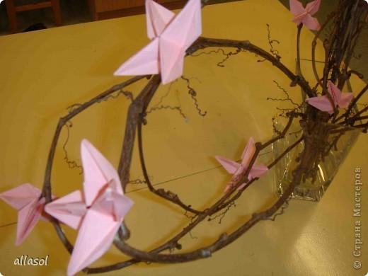 """По подсказке Люблюбумагу нашла в нашей библиотеке книгу Афонькиных """"Цветущий сад оригами"""" Идея из этой книги. фото 2"""