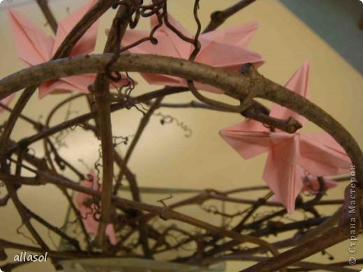 """По подсказке Люблюбумагу нашла в нашей библиотеке книгу Афонькиных """"Цветущий сад оригами"""" Идея из этой книги. фото 4"""
