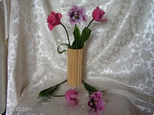 Ура, и я добралась до тюльпанов! Лепила, как всегда, из самодельного холодного фарфора. Может быть добавить пару белых тюльпанчиков?! фото 1
