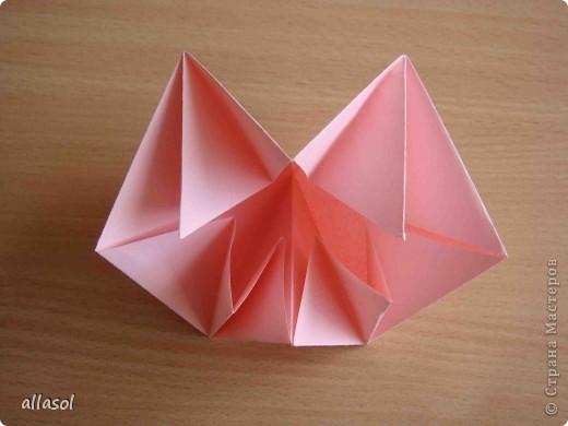 """По подсказке Люблюбумагу нашла в нашей библиотеке книгу Афонькиных """"Цветущий сад оригами"""" Идея из этой книги. фото 13"""