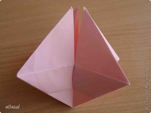 """По подсказке Люблюбумагу нашла в нашей библиотеке книгу Афонькиных """"Цветущий сад оригами"""" Идея из этой книги. фото 16"""