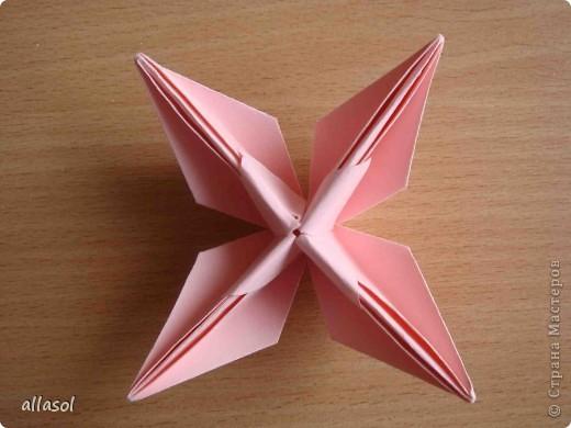 """По подсказке Люблюбумагу нашла в нашей библиотеке книгу Афонькиных """"Цветущий сад оригами"""" Идея из этой книги. фото 30"""