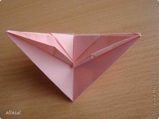 """По подсказке Люблюбумагу нашла в нашей библиотеке книгу Афонькиных """"Цветущий сад оригами"""" Идея из этой книги. фото 26"""