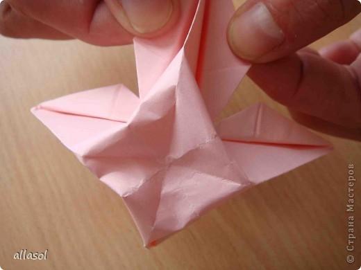 """По подсказке Люблюбумагу нашла в нашей библиотеке книгу Афонькиных """"Цветущий сад оригами"""" Идея из этой книги. фото 28"""