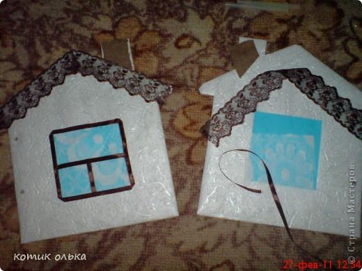 Вот такой подарок я решила сделать для сестры на день рождения. Альбом в виде домика, каждая страничка украшена по своему. Спасибо всем рукодельницам! Идеи черпала с нашего любимиго сайта. фото 9