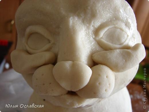 Вот такую кошечку я слепила в подарок. Будет красоваться в парикмахерской, радовать посетителей) Кошечка получилась немаленькая, 28 см высотой и весит 3,5 кг. фото 18