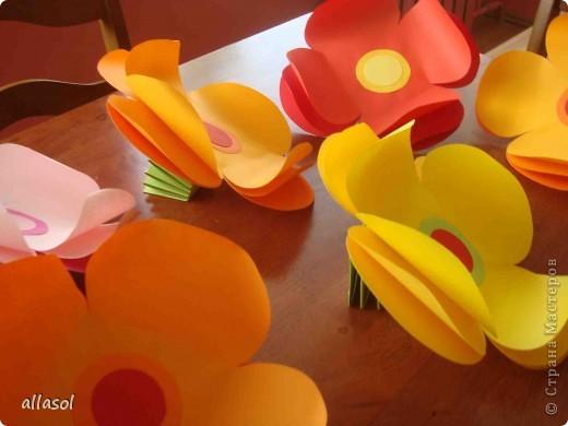 Такие цветочки делала для летнего лагеря. фото 1