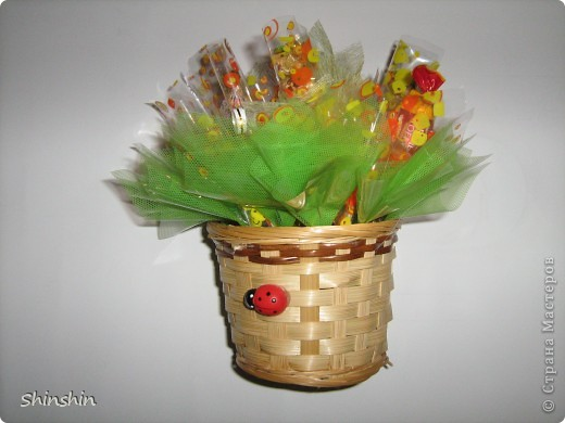 Мастер-класс: букет из конфет маме к 8 Марта! фото 1