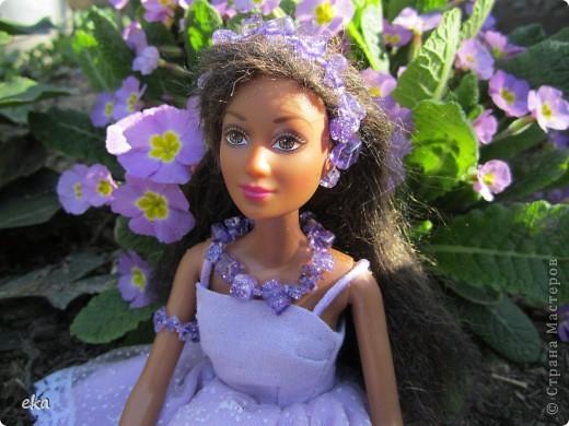 Сплела украшение для своей куклы. Зовут её Лия. фото 1