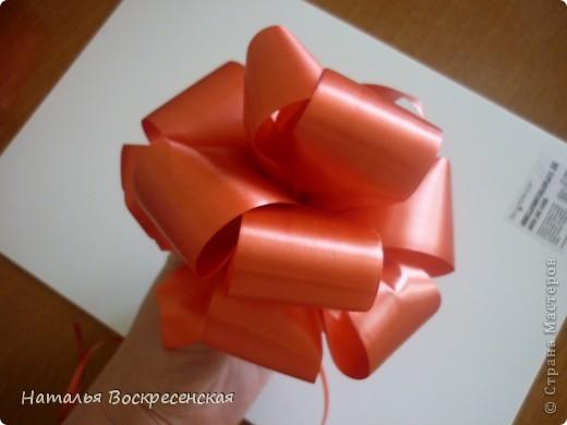 Великое множество бантов рукодельницы страны мастеров предлагают! хочу предложить еще один вариант - очень простой - для изготовления бантов на подарки! фото 1