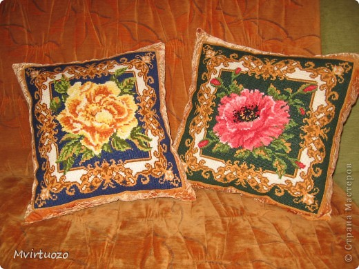 Вот такие подушечки получились у меня :) Сама вышивка - из наборов, а затем я покупала ткань Флок и оформляла думочки. фото 1