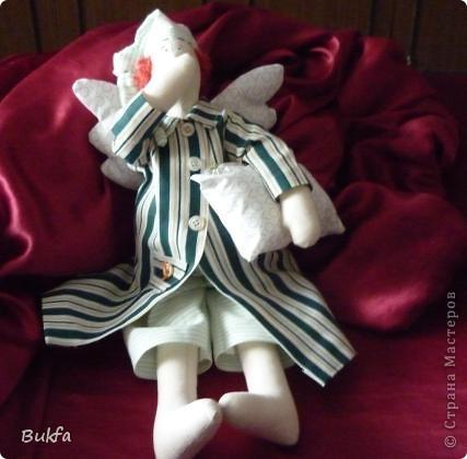 Девочки, показываю вам свою первую Тильду. Знаю, что получилась уродушка, но дочь говорит «ВАУ». Ей понравилась, к ней и уедет!  ----------------- Ириш, Феечка, а я Уродушке новые штанишки сшила!!! фото 6