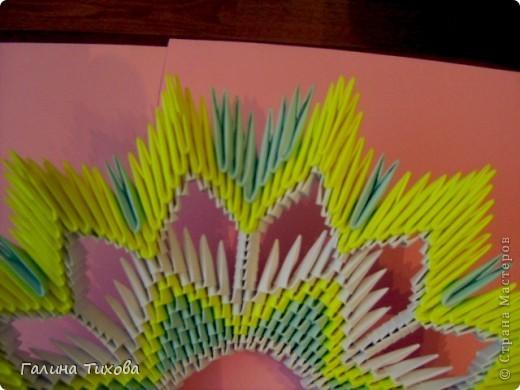 Для создания такой тарелки мне потребовалось: 1679 модулей: 636 белых, 536 голубых, 507 жёлтых. фото 24