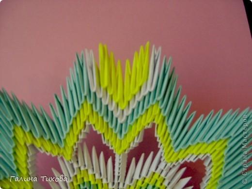 Для создания такой тарелки мне потребовалось: 1679 модулей: 636 белых, 536 голубых, 507 жёлтых. фото 27
