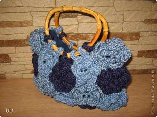 Увидев на сайте работу Елены, я просто влюбилась в нее. Вот такую сумочку связала себе к лету. А как ее вязать, можно посмотреть у мастера http://stranamasterov.ru/node/90701?tid=451%2C858 фото 2