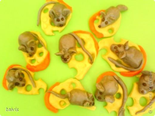 Этих мышек слепили детки старшего дошкольного возраста.  фото 1