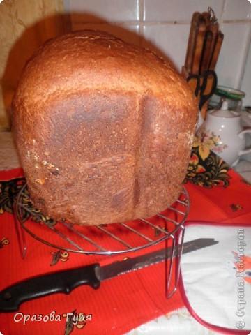 Хлебопечкой пользуюсь 3 года и каждый год прибавляю в весе. Летом с трудом немного сбрасываю... Итак по кругу из года в год. А хлеб то вкусный, горячий разрываю руками, маслицем да на корочку, оно подтаивает МММММ....мняка... Но с весом что-то делать надо и я решила ОВСЯНКА! фото 7
