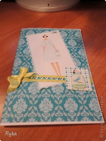 Открыточка для игры по скетчу http://stranamasterov.ru/node/159827?c=favorite Использовала распечатка фона и картинки на бумаге для акварели, лента, стразы. фото 5