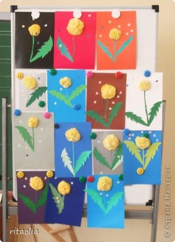 Эта сирень сделана в технике мозаики из бумажных комочков на уроке технологии в 1 классе. За урок уложились. Результат порадовал :))) фото 3