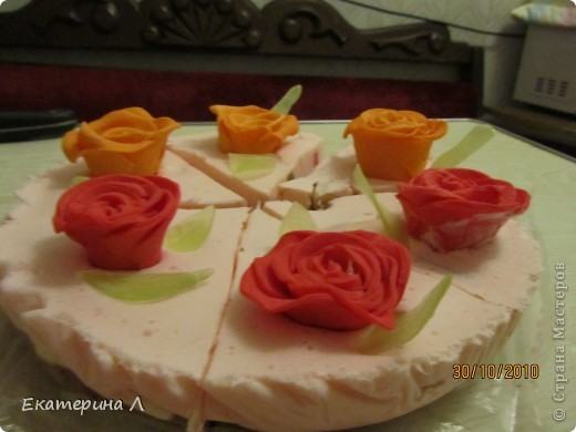 """Вот такой вот """"Мыльный торт"""". Когда я его дарила друзьям почти все хотели откусить. Пахнет вкусно  и на вид не отличить от торта! фото 1"""