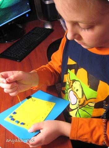Когда дочурка (ей 9 лет) увидела как я делаю свою открытку по скетчу http://stranamasterov.ru/node/168990, то тоже захотела принять участие в конкурсе. И вот представляем результат (уж очень дочке по душе шитье по фелту): фото 5