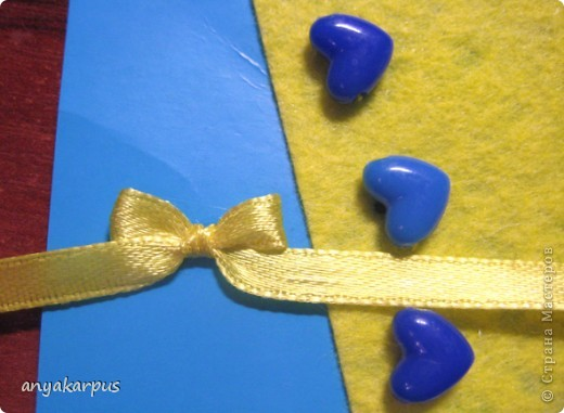 Когда дочурка (ей 9 лет) увидела как я делаю свою открытку по скетчу http://stranamasterov.ru/node/168990, то тоже захотела принять участие в конкурсе. И вот представляем результат (уж очень дочке по душе шитье по фелту): фото 6