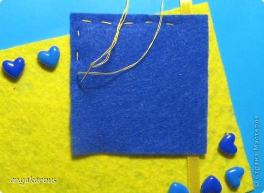 Когда дочурка (ей 9 лет) увидела как я делаю свою открытку по скетчу http://stranamasterov.ru/node/168990, то тоже захотела принять участие в конкурсе. И вот представляем результат (уж очень дочке по душе шитье по фелту): фото 8