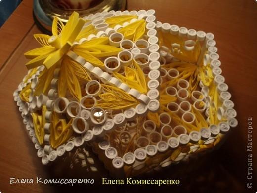 Шкатулка с цветком. Выполнена по технологии: каркас+заполнение ажурными элементами фото 1