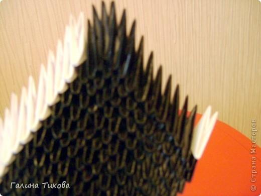 На изготовление этого лебедя мне понадобилось 1478 модулей, клеевой термопистолет, чёрная алкидная аэрозольная эмаль и чуть-чуть терпения… фото 37