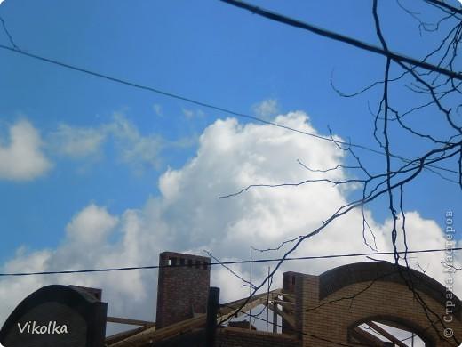 """Люблю смотреть на облака! Всегда засматриваюсь на них, не думая о том, что так можно и упасть :-))! И если есть возможность - фотографирую. А возможность есть в основном на даче. Приглашаю всех, небезразличных к """"небесным странникам"""", на мою страничку! фото 18"""