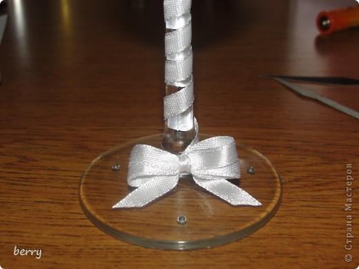 ножку обтянула ленточкой,цветочки и бантик клеила на двухсторонний скотч:))) фото 2