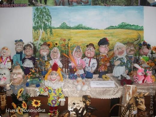 """""""Деревенька моя..."""" Экспозиция народной куклы на выставке декоротивно-прикладного творчества"""