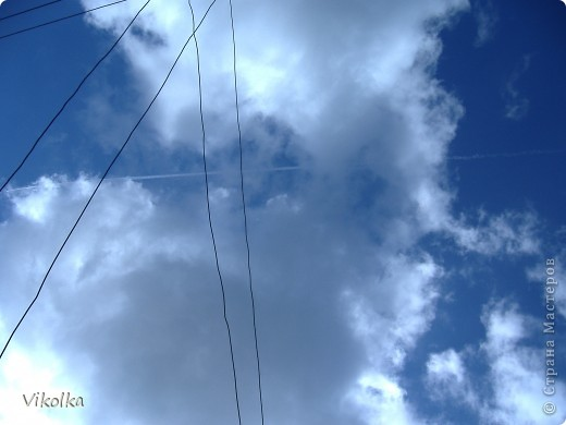 """Люблю смотреть на облака! Всегда засматриваюсь на них, не думая о том, что так можно и упасть :-))! И если есть возможность - фотографирую. А возможность есть в основном на даче. Приглашаю всех, небезразличных к """"небесным странникам"""", на мою страничку! фото 10"""