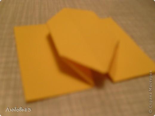 """Рамка из плотной бумаги для черчения. Фон - оранжевый картон, поверх которого накрахмаленные нити. Композиция из бабочек и листьев из бумаги и трёх декоративных прозрачных камешков - """"куколки"""" будущих бабочек. фото 11"""