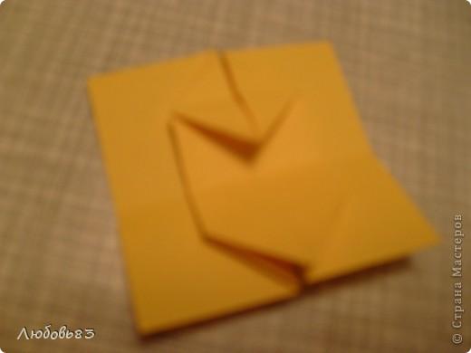 """Рамка из плотной бумаги для черчения. Фон - оранжевый картон, поверх которого накрахмаленные нити. Композиция из бабочек и листьев из бумаги и трёх декоративных прозрачных камешков - """"куколки"""" будущих бабочек. фото 14"""