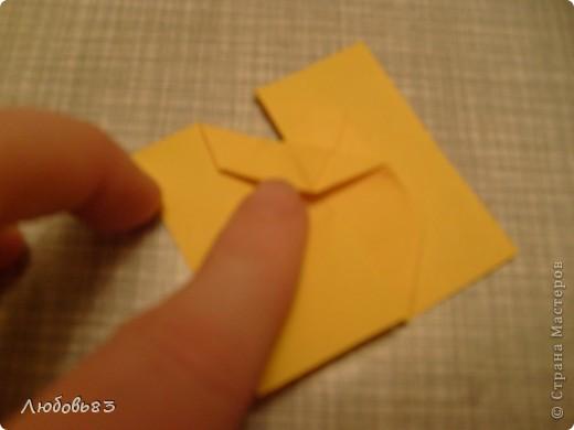 """Рамка из плотной бумаги для черчения. Фон - оранжевый картон, поверх которого накрахмаленные нити. Композиция из бабочек и листьев из бумаги и трёх декоративных прозрачных камешков - """"куколки"""" будущих бабочек. фото 15"""