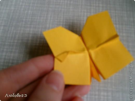 """Рамка из плотной бумаги для черчения. Фон - оранжевый картон, поверх которого накрахмаленные нити. Композиция из бабочек и листьев из бумаги и трёх декоративных прозрачных камешков - """"куколки"""" будущих бабочек. фото 19"""