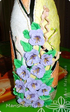 Бутылочка сделана в подарок подружке на 8 Марта (цветы крупно) фото 1