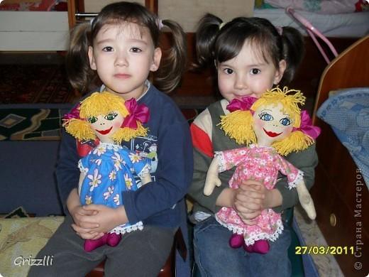 Мои повторюшки для дочек (мой первый опыт шитья тряпичной куклы с тонировкой (кофе, корица, ванилин)) фото 2